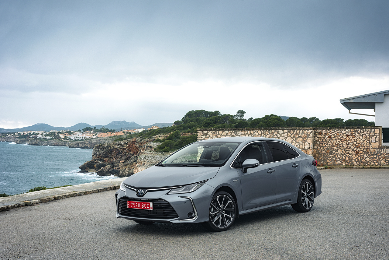 foto toyota 2019 corolla hybrid sedan worldwide hybrid autos graue auto grau graues autos automobil