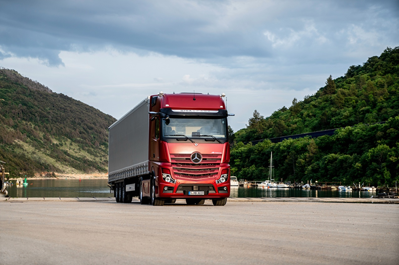Photos Trucks Mercedes-Benz Actros 1863 LS, 2018 Red Cars lorry auto automobile