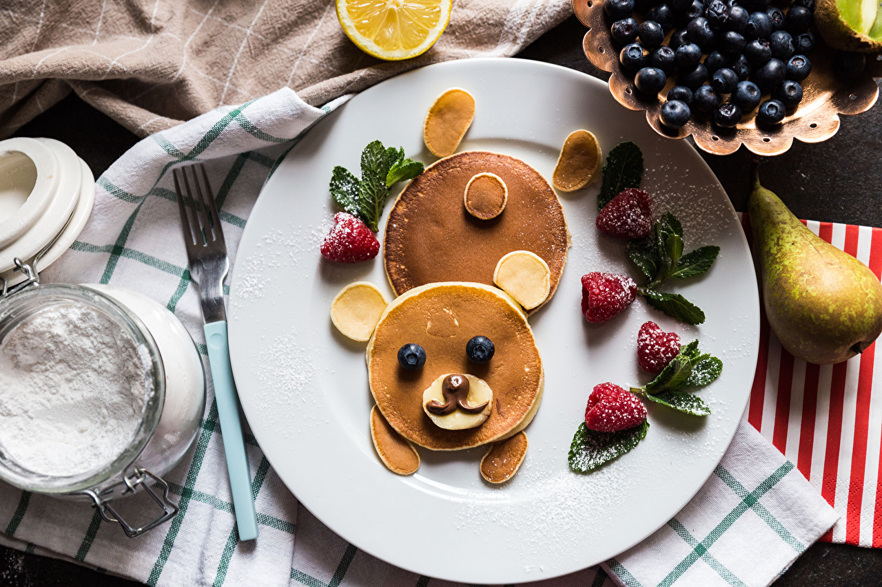 Pictures Bears Pancake Powdered sugar Pears Creative Strawberry Blueberries Food Plate bear hotcake