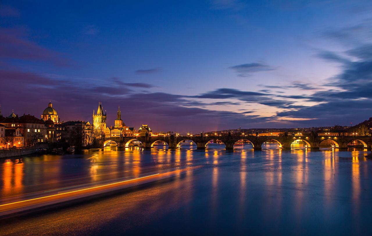 Fotos Prag Tschechische Republik Brücken Himmel Nacht Flusse Haus Städte Gebäude