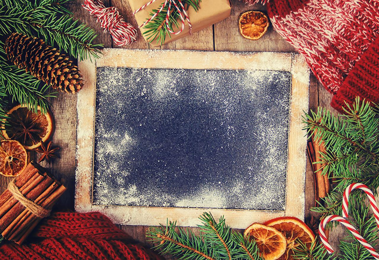 Fotos von Neujahr Sternanis Zimt Ast Zapfen Vorlage Grußkarte