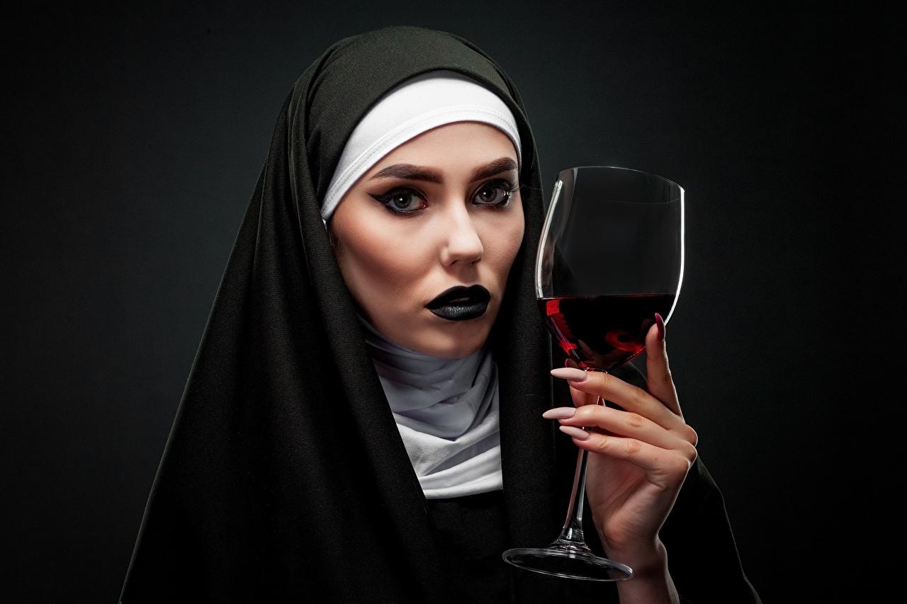,葡萄酒,黑色背景,凝视,化妆,手,修指甲,酒杯,出家人,年輕女性,女孩,