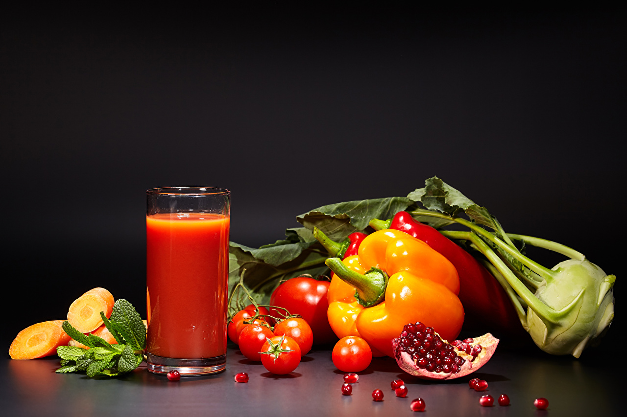 Images Juice Tomatoes Pomegranate Highball glass Food Vegetables Bell pepper Gray background