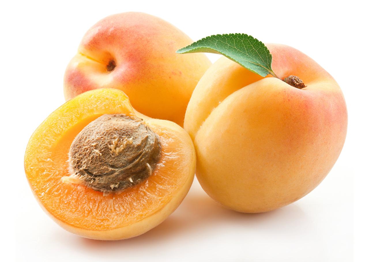Photos Peaches Food Closeup White background