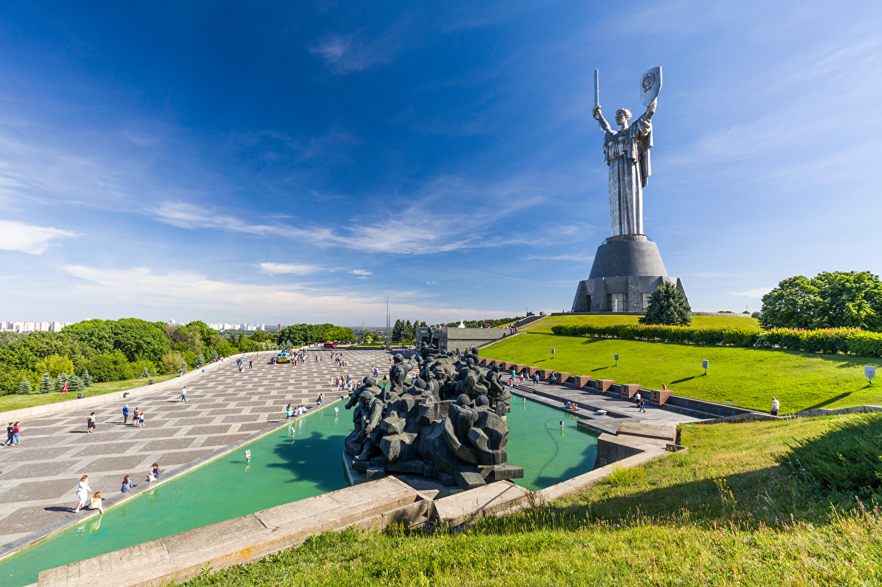Photos Kiev Ukraine Monuments Mother Homeland Sky Cities Sculptures