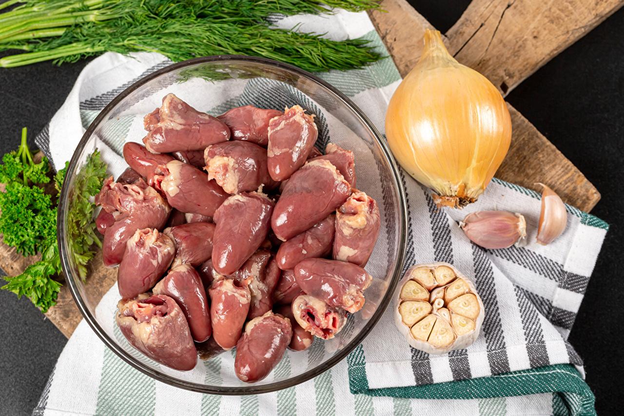 Fotos von chicken hearts Zwiebel Knoblauch das Essen Fleischwaren Lebensmittel
