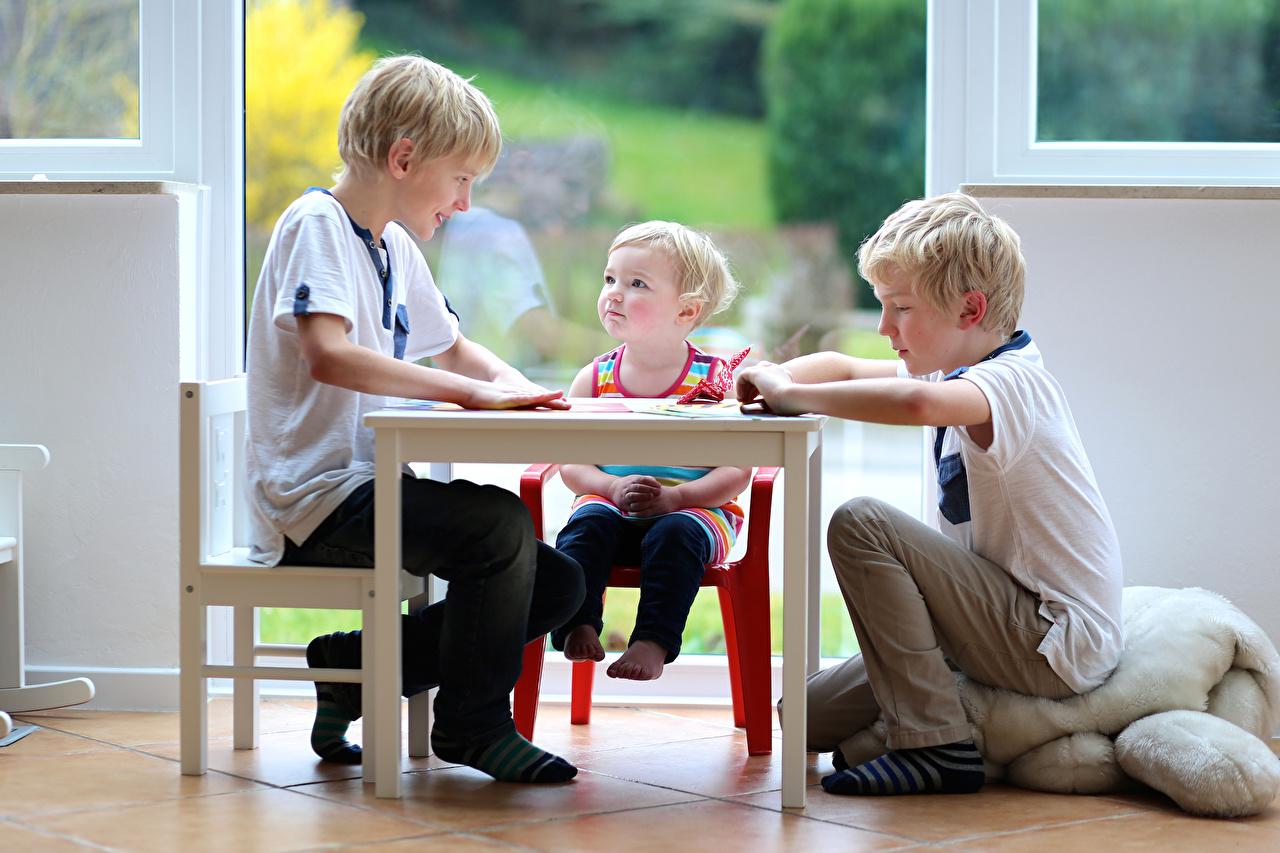 Pictures Little girls Boys Children Table Three 3 child