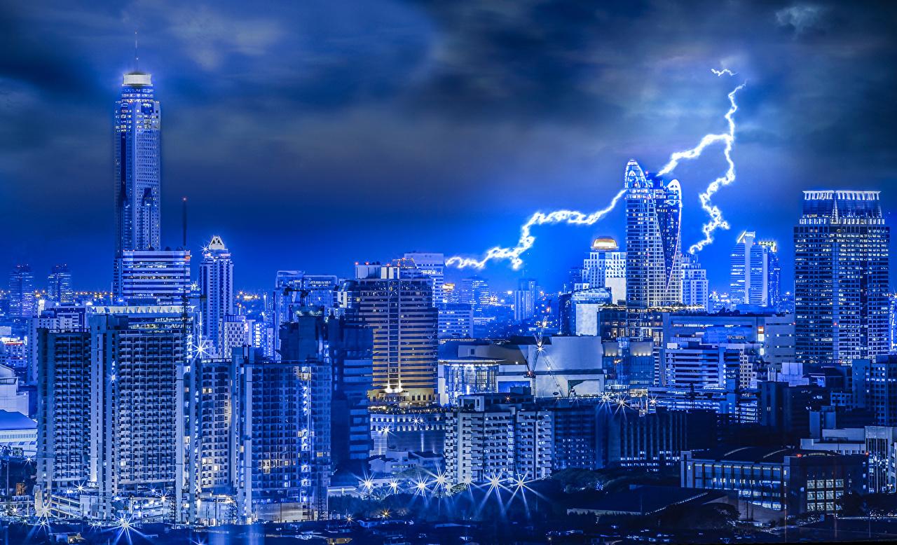 Sfondi del desktop Bangkok Thailandia Fulmine Notte grattacielo Città Il lampo notturna Di notte Grattacieli