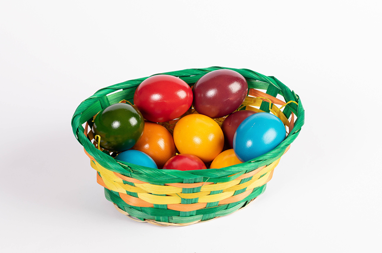 Pictures Easter Multicolor egg Wicker basket Food White background Eggs