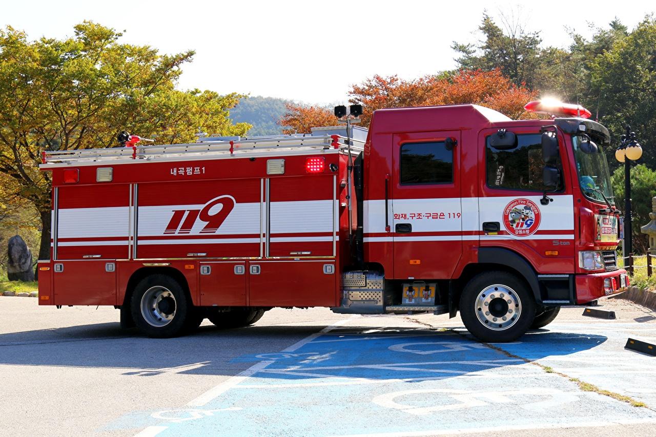 Bilder Feuerwehrfahrzeug Rot Seitlich automobil auto Autos