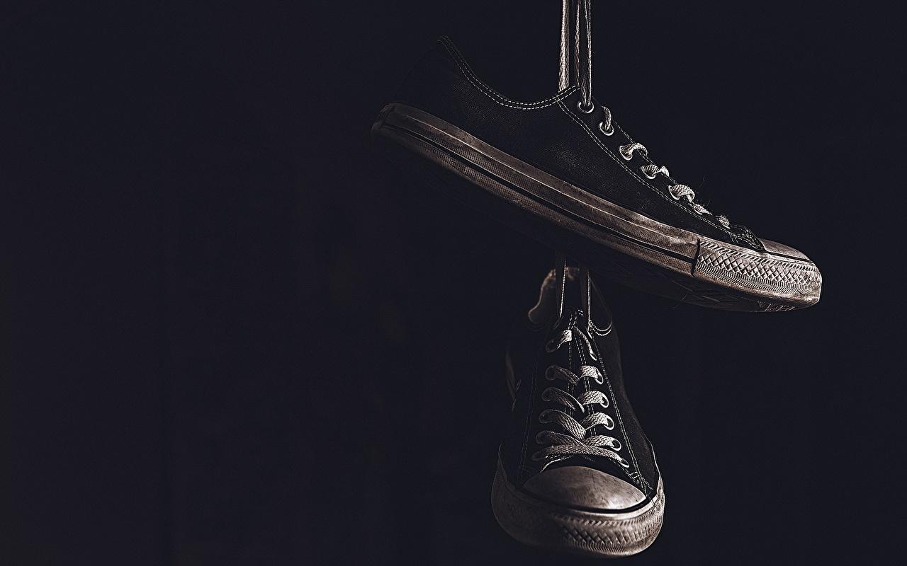 壁紙 クローズアップ プリムソール靴 靴ひも 黒色背景 ダウンロード 写真