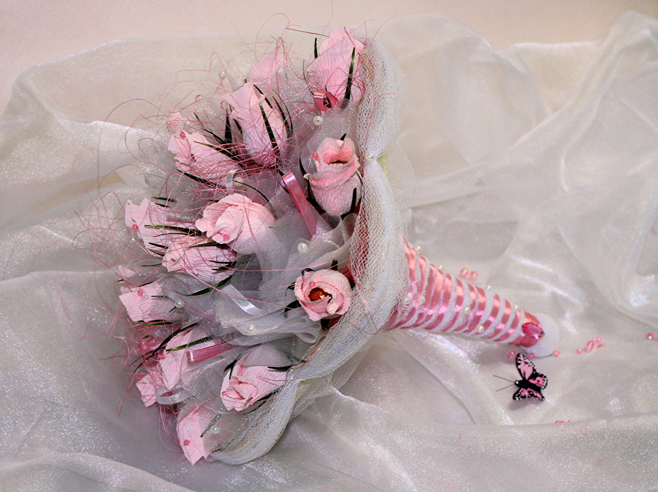 Wallpapers Butterflies Bouquets Roses Pink color Flowers