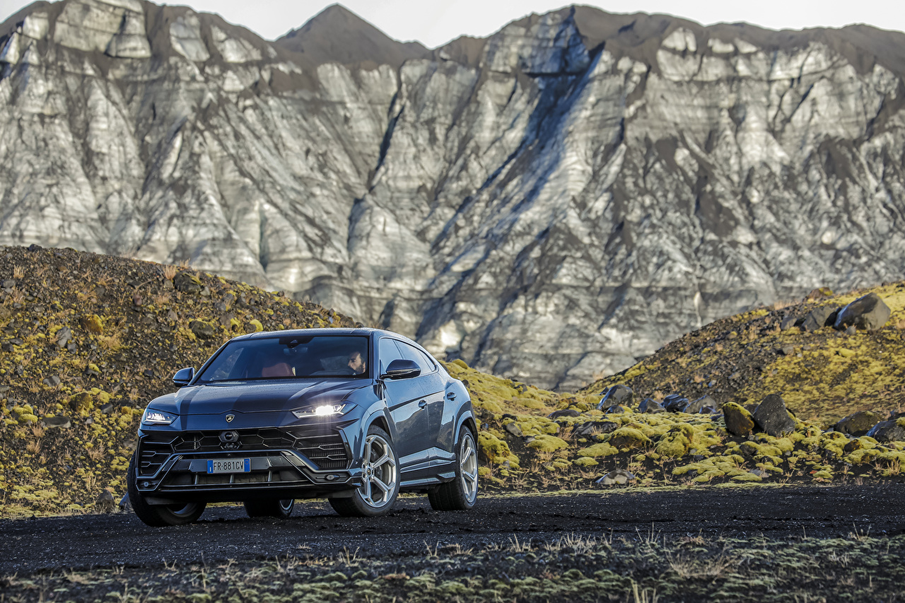 Fotos Lamborghini 2018-19 Urus Body Color Package Worldwide Autos Metallisch