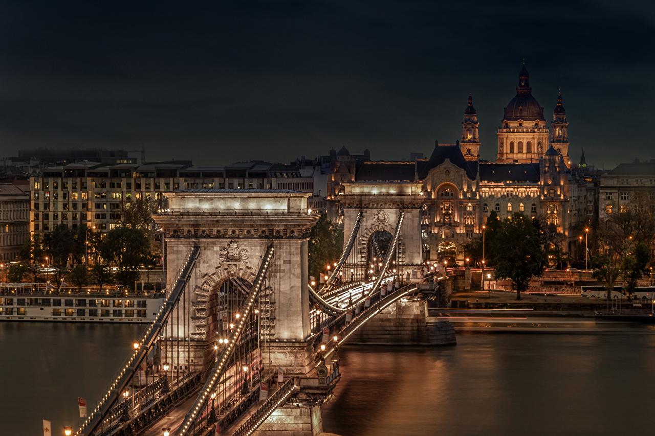 Bilder Budapest Ungarn Chain Bridge Brücke Fluss Nacht Straßenlaterne Städte Gebäude Brücken Flusse Haus