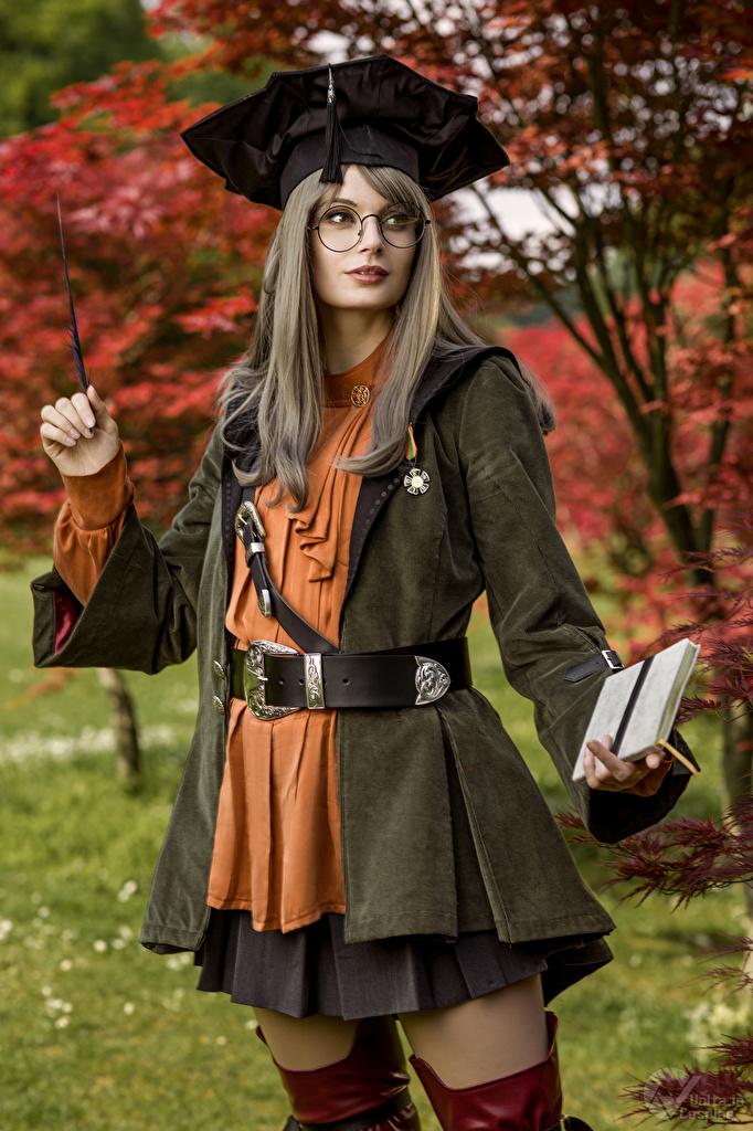 Bilder Mikhail Davydov photographer Cosplay Scholar, Final Fantasy XIV posiert junge Frauen Spiele Brille Blick  für Handy Pose Mädchens junge frau computerspiel Starren