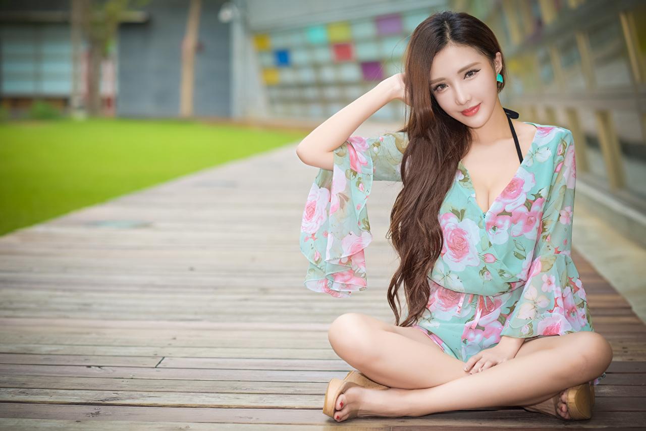 壁紙 アジア人 脚 茶色の髪の女性 座っ 美しい 可愛い 少女