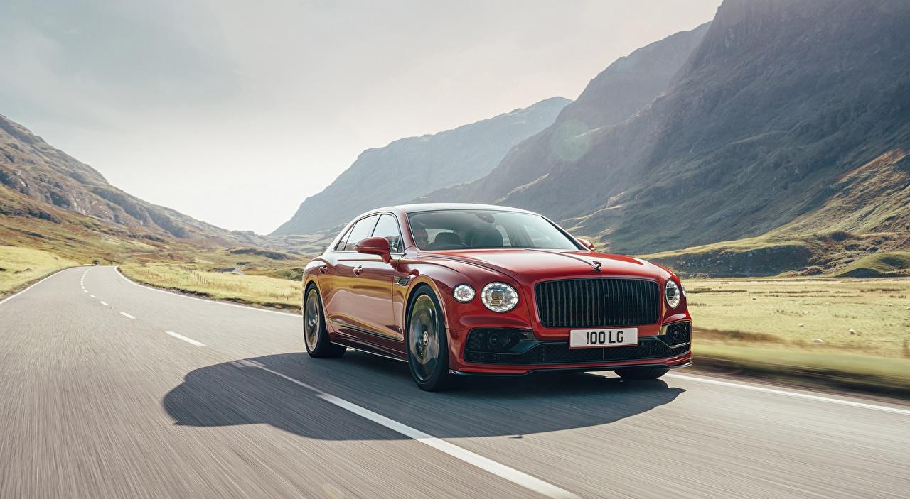 Bakgrundsbilder Bentley Flying Spur, V8 UK-spec, 2020 Sedan Röd Väg Rörelse Bilar går vägar bil automobil