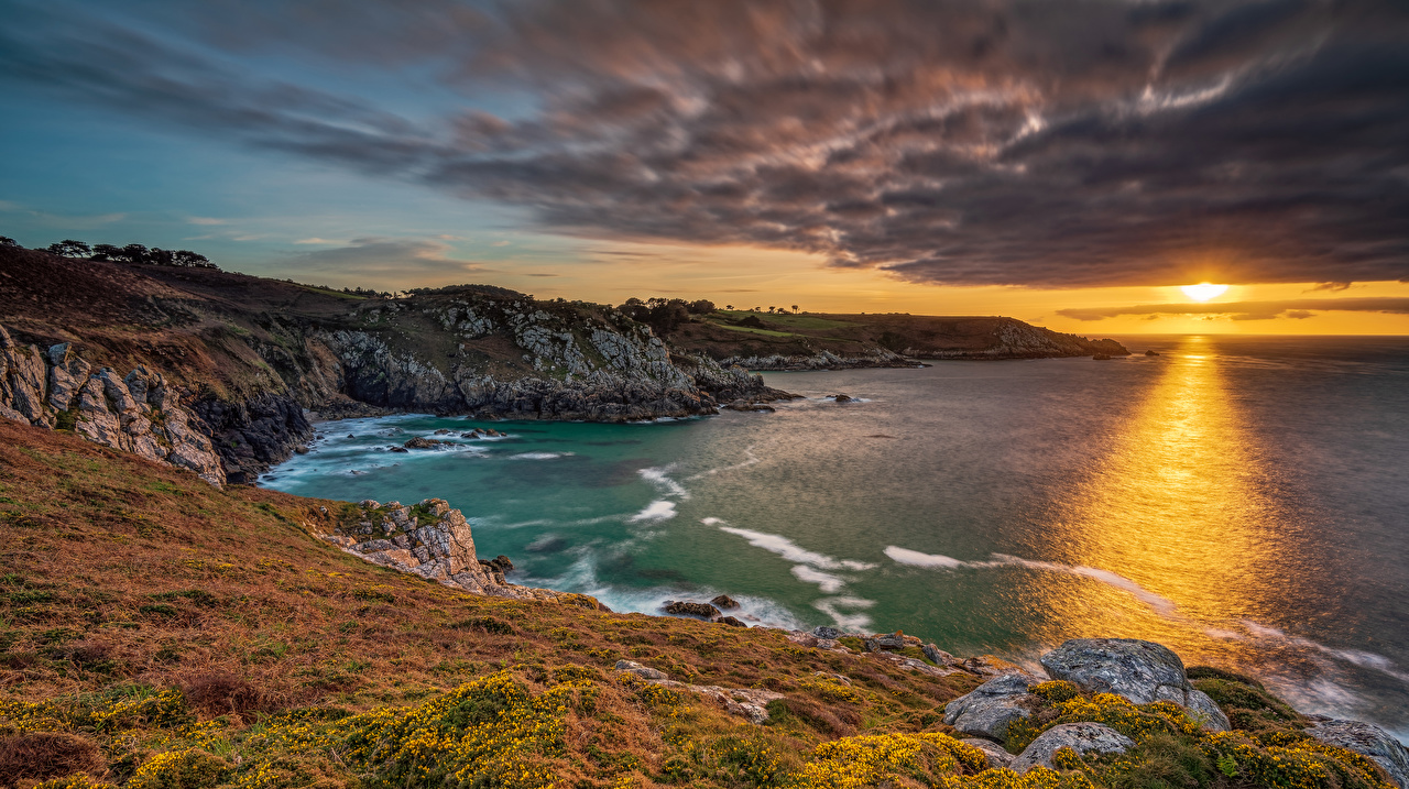 Fotos von Frankreich Brittany Natur Felsen Sonnenaufgänge und Sonnenuntergänge Bucht Küste Wolke Morgendämmerung und Sonnenuntergang