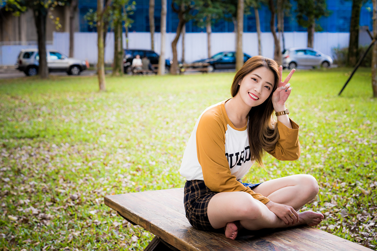 Image Smile gestures Girls Legs Asian Sitting Gesture female young woman Asiatic sit