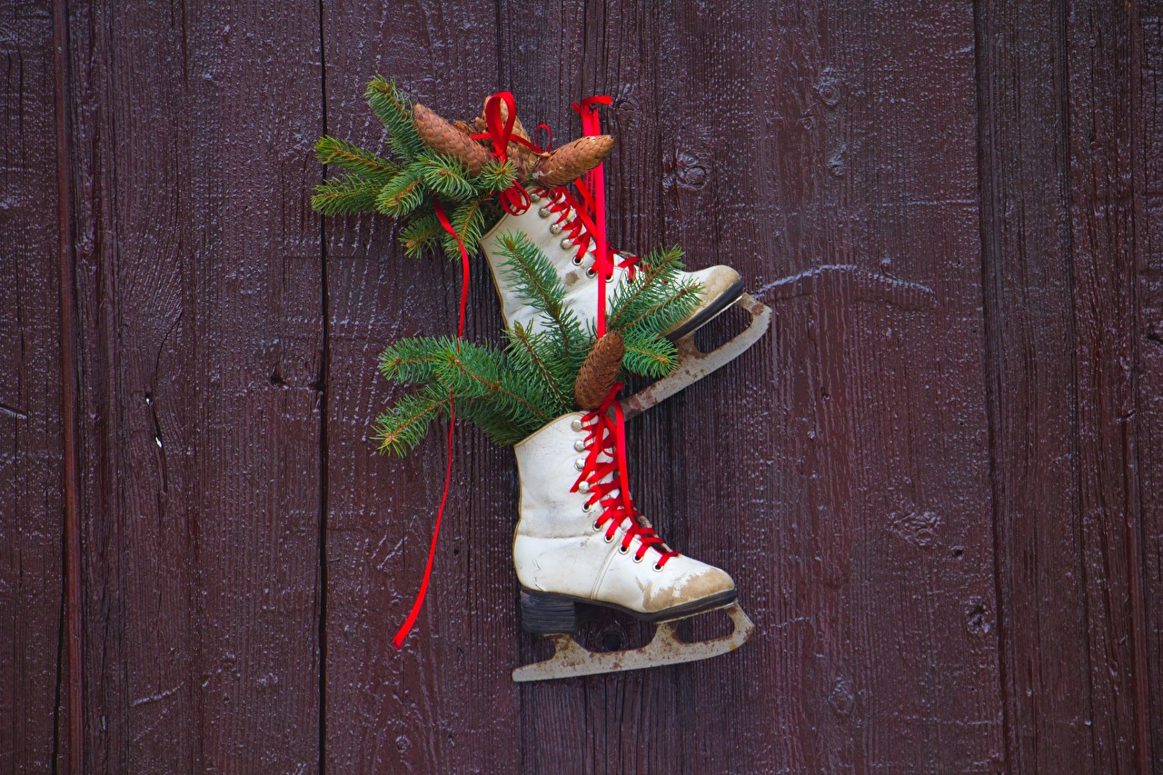 Pictures Christmas Ice skate Branches Conifer cone boards New year Pine cone Wood planks