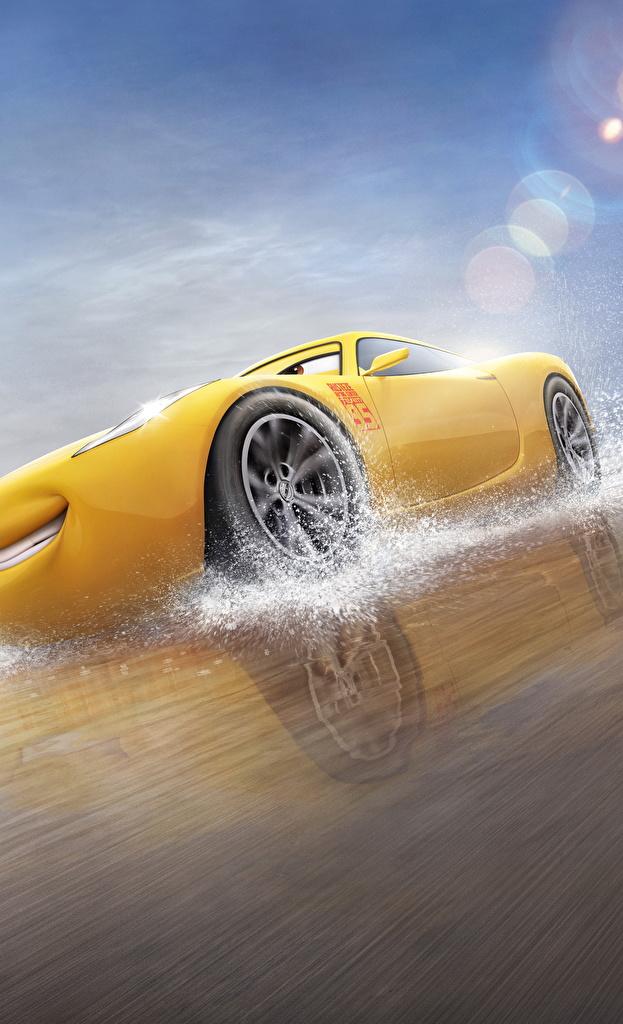 Fotos von Cars 3 Cruz Ramirez Gelb Animationsfilm Zeichentrickfilm
