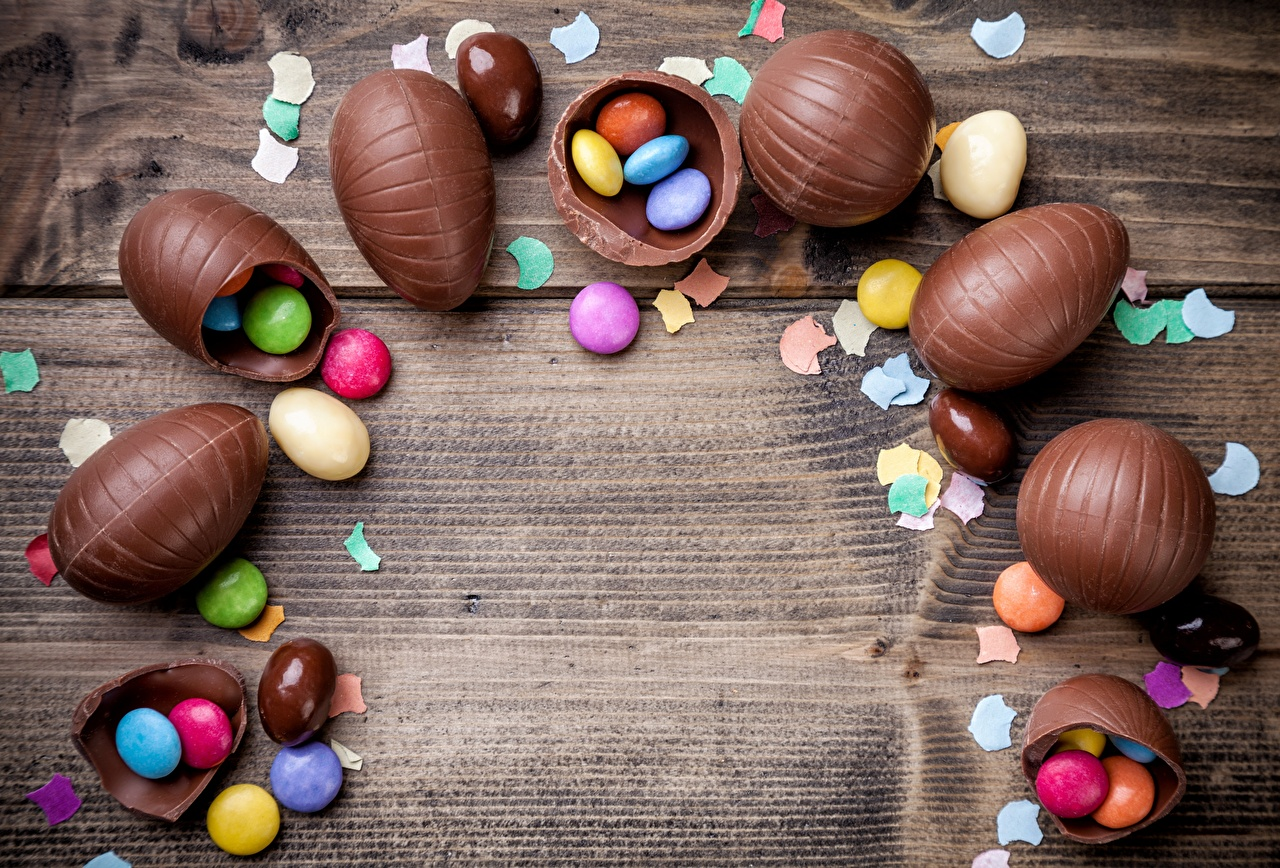 Bilder von Dragee Ei Schokolade das Essen Vorlage Grußkarte Bretter eier Lebensmittel