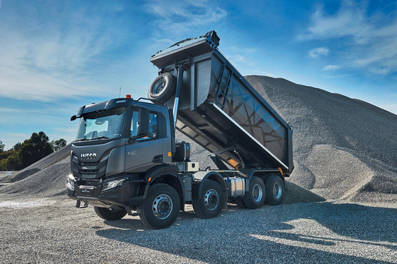 Fotos IVECO Lastkraftwagen graues automobil Metallisch Grau graue auto Autos