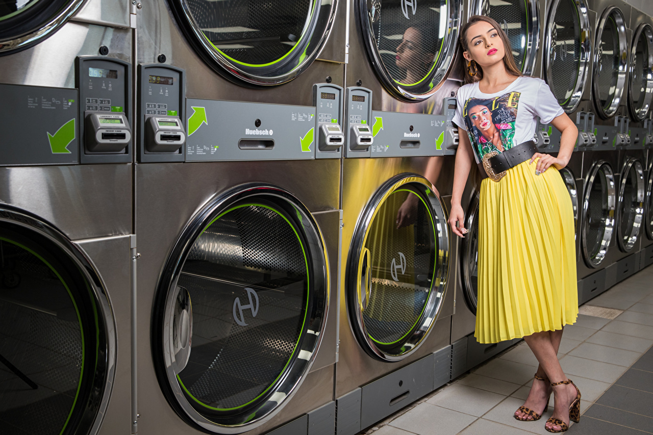 Image Skirt Alexis Contreras, laundry posing female T-shirt Pose Girls young woman