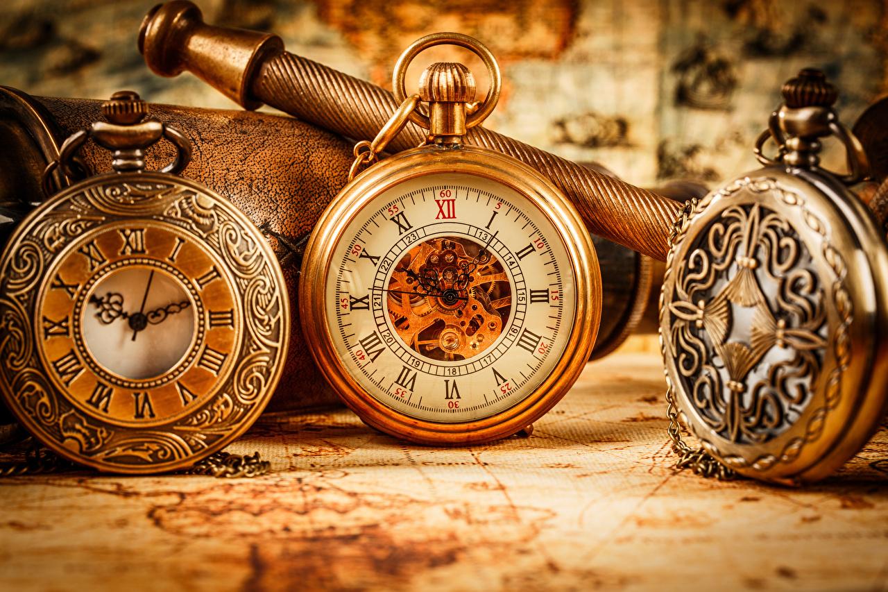 Bilder Taschenuhr Uhr Drei 3 Zifferblatt hautnah Nahaufnahme Großansicht