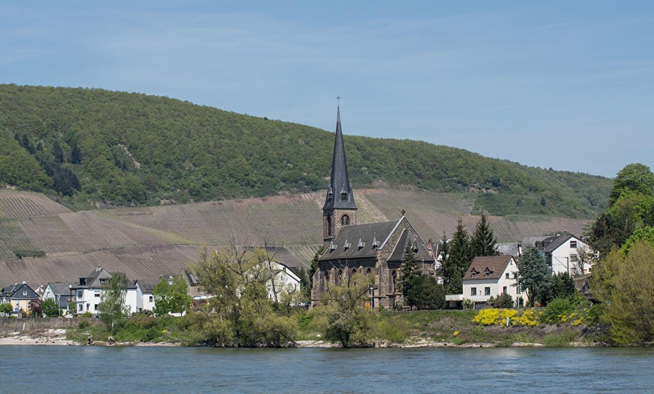 Desktop Hintergrundbilder Kirchengebäude Deutschland Zell, Rhineland-Palatinate, Cochem-Zell, Rhine Fluss Städte Kirche Flusse