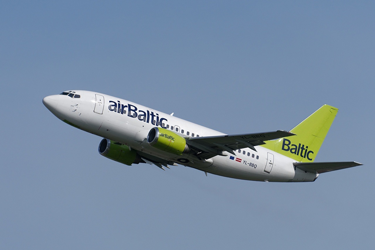 Photo Boeing Airplane Passenger Airplanes Air Baltic 737-53S Aviation