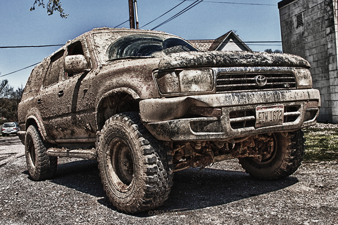 Desktop Wallpapers Toyota 4Runner Mud Cars Headlights auto automobile
