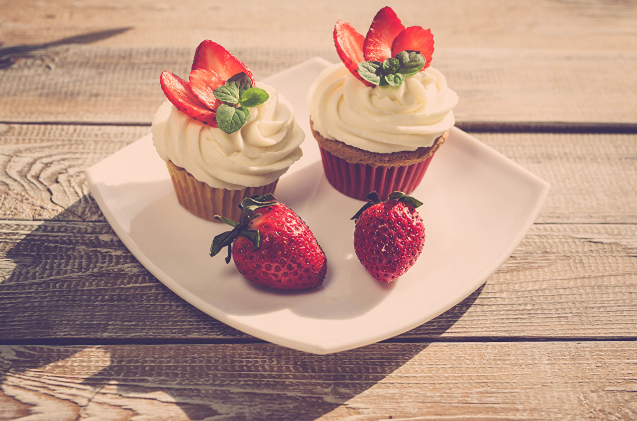 Photo Two Cupcake Strawberry Food Plate Little cakes boards Design 2 fairy cake Wood planks