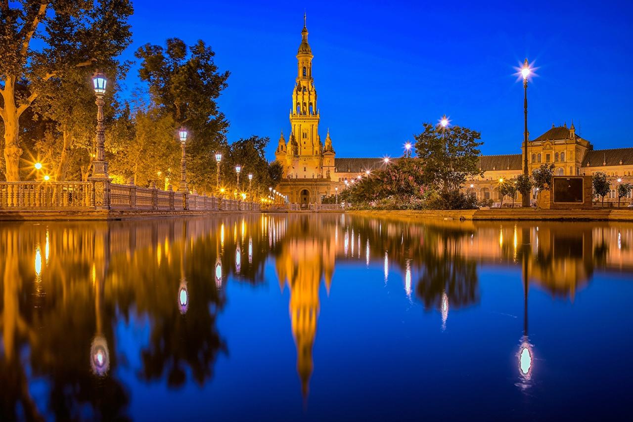 Fotos Spanien Türme Teich spiegelt Nacht Wasser Städte Turm Reflexion Spiegelung Spiegelbild