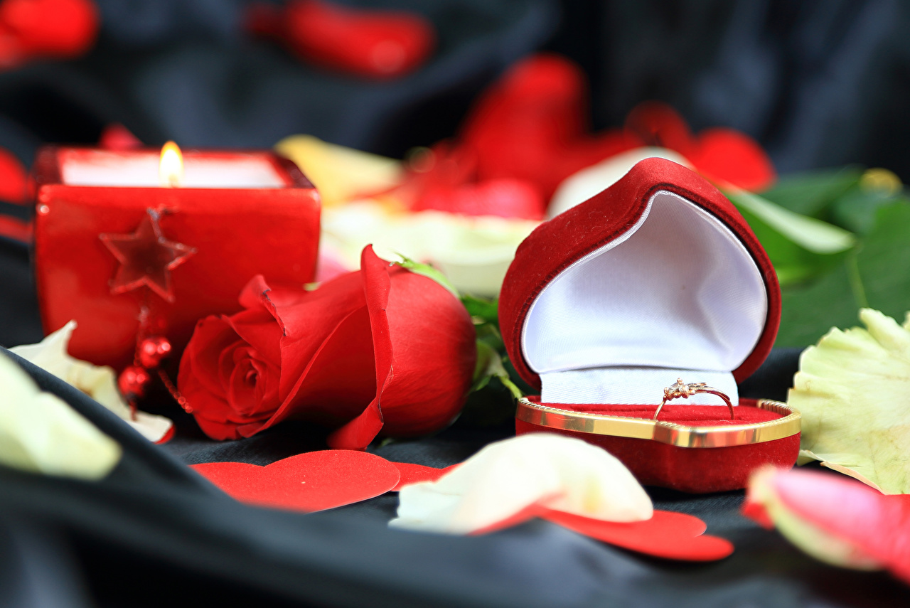 Image Valentine's Day Heart Red Roses Box Ring Flowers