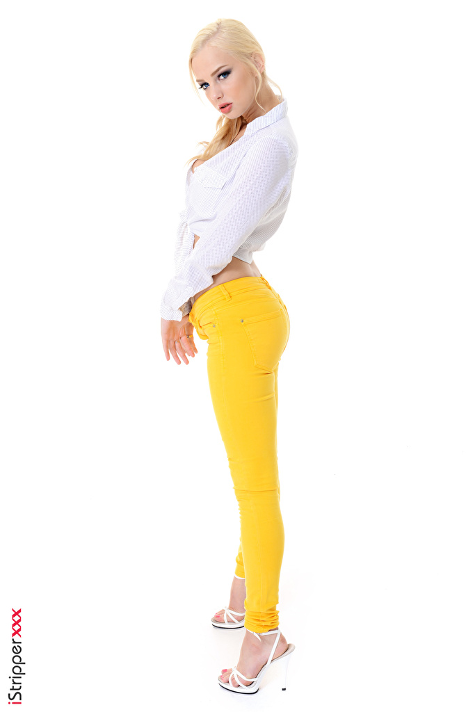 Foto Estonika Blond Mädchen iStripper Mädchens Bein Hand Seitlich Die Hose Weißer hintergrund High Heels  für Handy Blondine junge frau junge Frauen Stöckelschuh