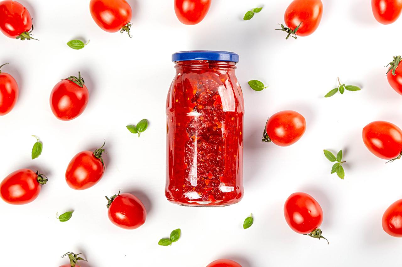 Foto Tomaten Ketchup Einweckglas Lebensmittel Weißer hintergrund Tomate Weckglas das Essen