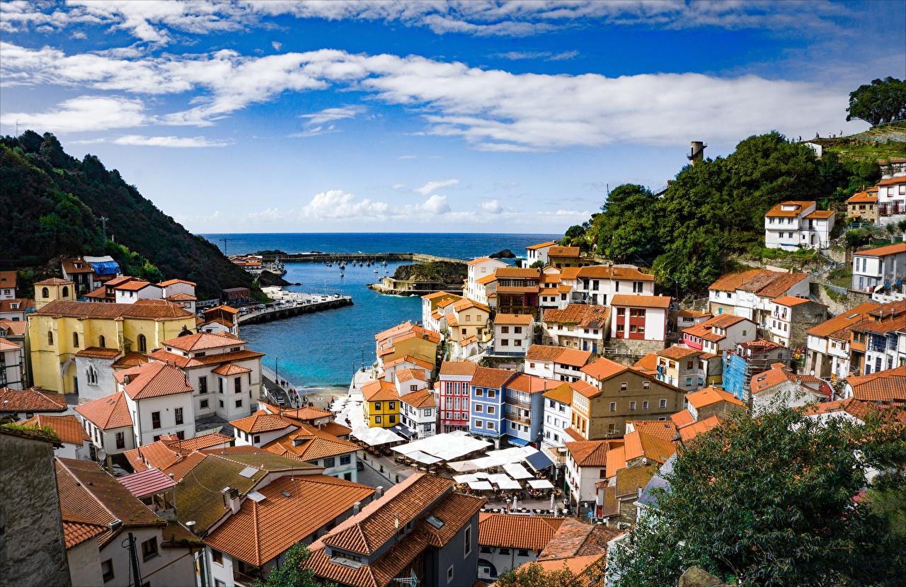 Tapeta Hiszpania Cudillero Asturias dachy zatoki Domy Miasta Dach Zatoka miasto budynki budynek