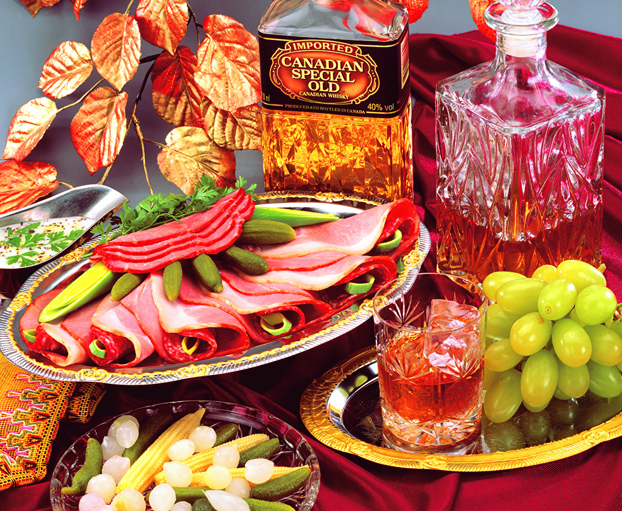 Fotos Schinken Trinkglas Weintraube Lebensmittel Stillleben Getränke