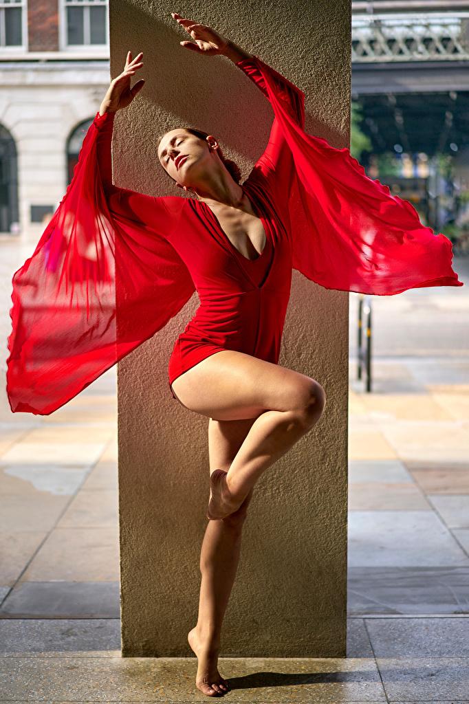 Bakgrundsbilder Dans ung kvinna Ben Klänning  till Mobilen dansar Unga kvinnor
