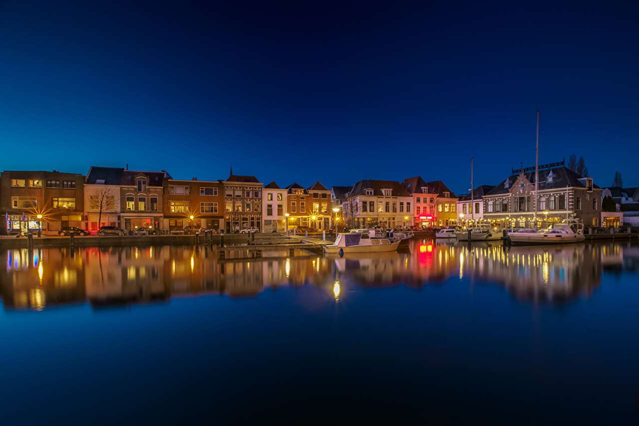 Photos Netherlands Leiden South Holland Night Rivers Marinas Houses Cities Pier river Berth night time Building