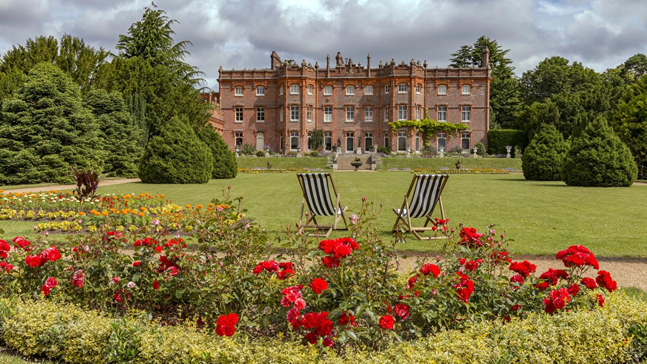 Bilder von England Hughenden Manor Park Rosen Natur Mohn Parks Blumen Rasen Sessel Haus Strauch Design Rose Blüte Mohnblumen Gebäude