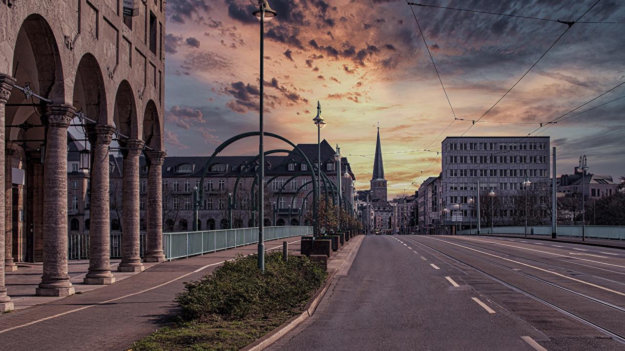 Foto Deutschland Straße Stadtstraße Abend Straßenlaterne Haus Städte Wege Straße Gebäude