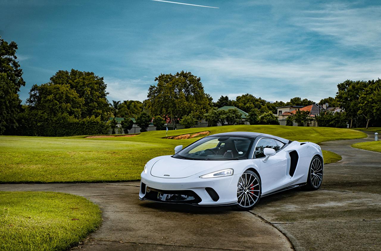 Bilder 2020 McLaren GT Weiß Autos auto automobil