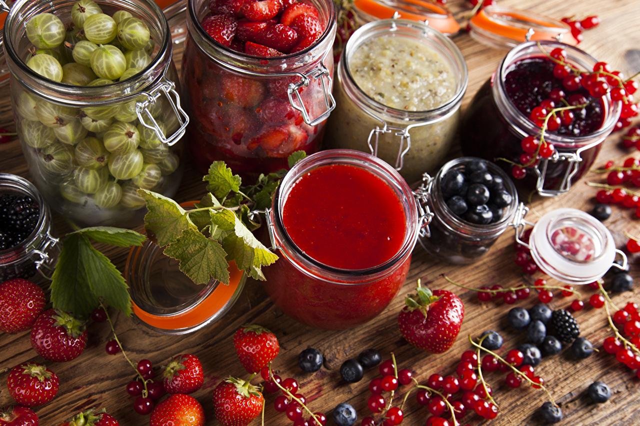 Pictures Varenye Jar Currant Strawberry Gooseberry Blueberries Food Berry Jam Fruit preserves