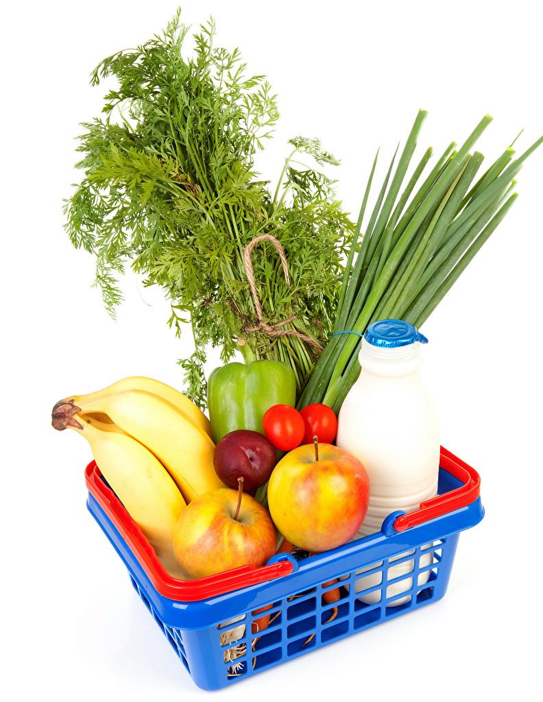 Bilder von Äpfel Bananen Weidenkorb Gemüse flaschen das Essen Weißer hintergrund  für Handy Flasche Lebensmittel