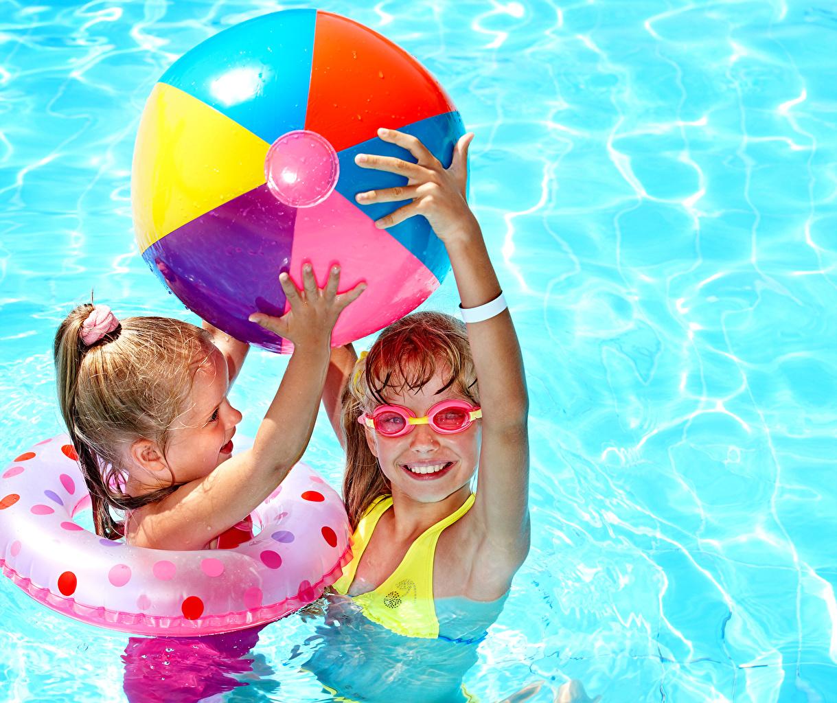 、、プール、小さな女の子、2 二つ、スポーツボール、眼鏡、子供、