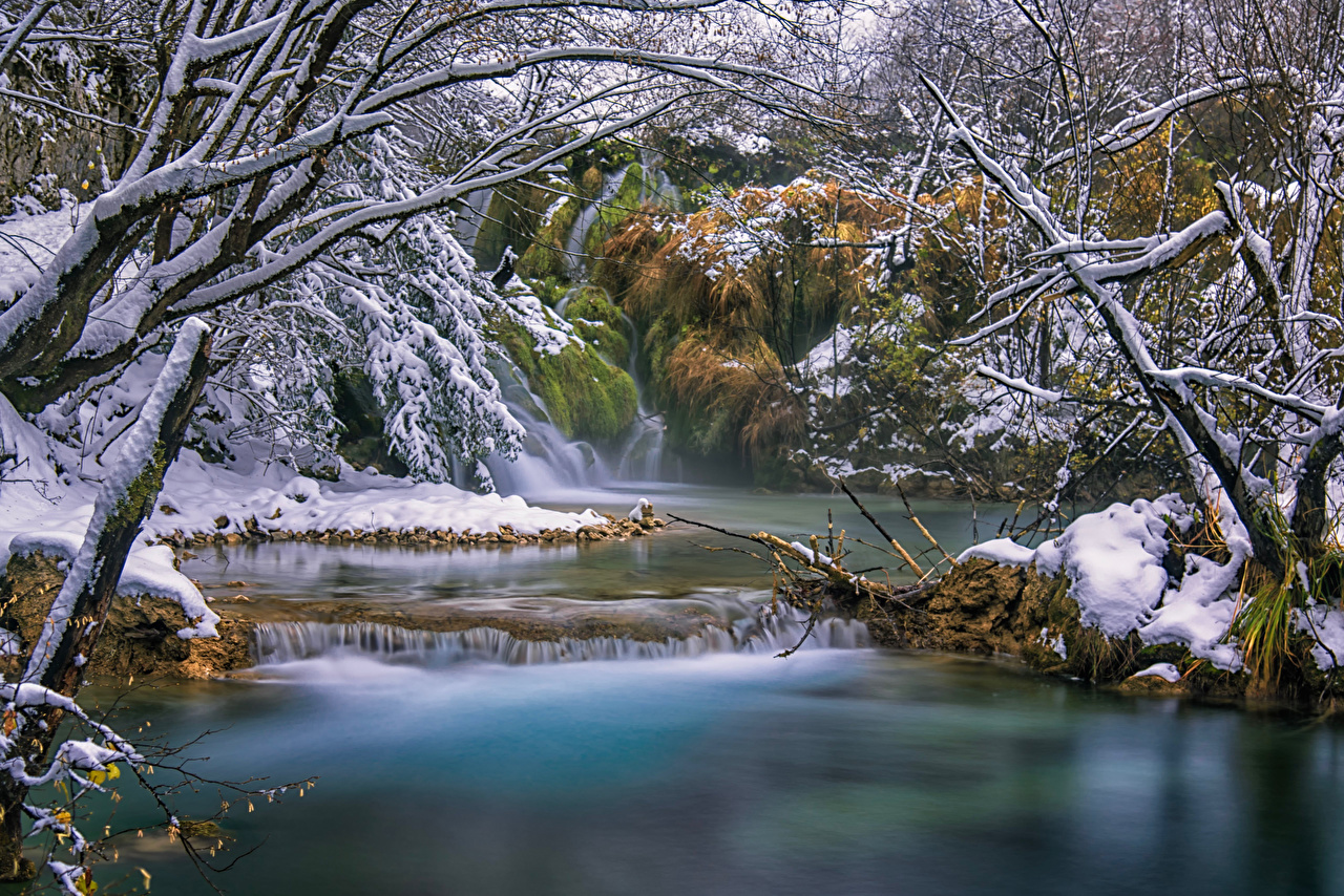 Desktop Wallpapers Croatia Plitvice Lakes Nature Waterfalls Snow forest Rivers Trees Forests river