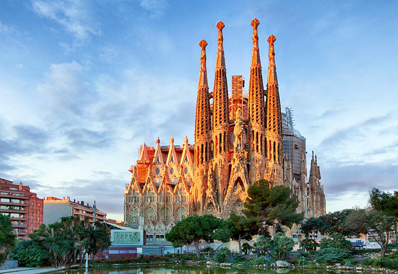 壁紙 スペイン 寺院 空 バルセロナ 都市 ダウンロード 写真
