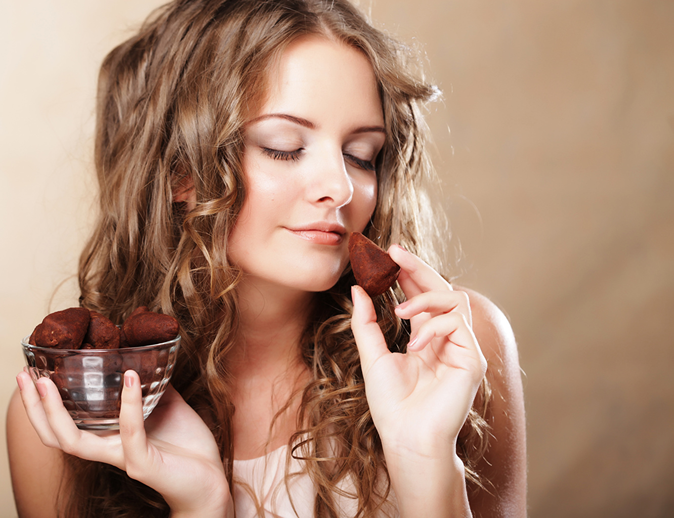 Picture Brown haired Chocolate Girls Hands Colored background female young woman